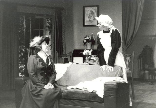 """Hedda Gabler"" — A Masterful Performance at Antaeus Theatre Company"